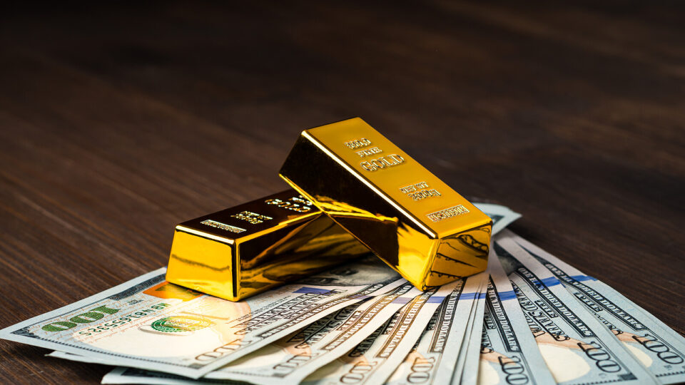 Risk Assets Sell Off as Gold Hits a 3-Month High