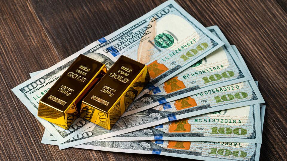 Gold Bounces on U.S. Dollar Weakness